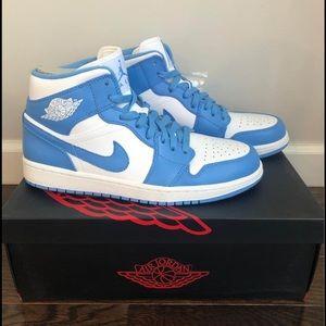 Nike Air Jordan 1 Mid UNC